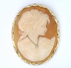 14Kt Yellow Gold Cameo Brooch & Pendant