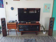 Thorens TD 160 turntable Focal Chorus 714 Rega Brio r Hifi stereo Mid Century westelm Vintage turntable wood Ortofon 2M Blue Living Room