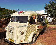 IBIZA LOVE TRUCK CATERING MOBILE - 100 % IBIZA - 100% AUTHENTIC - 100% YOU ! info & booking www.flyingpigibiza.com