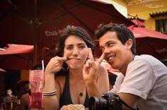 También se tontea de vez en cuando Fotografía de Bodas parejas - Cartagena Centro histórico Wedding photography in Colombia This Is Us, Couple Photos, Couples, Fictional Characters, Cartagena, Centre, Colombia, Weddings, Couple Shots