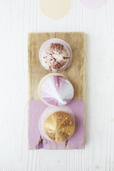 "Cute sweet meringues from Meringue Girls.  For more Alternative Wedding inspiration, check out the No Ordinary Wedding article ""20 Quirky Alternatives to the Traditional Wedding""  http://www.noordinarywedding.com/inspiration/20-quirky-alternatives-traditional-wedding-part-2"