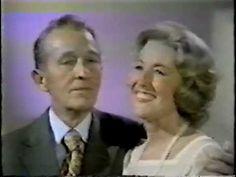 Bing Crosby and Vera Lynn sing, sing a song on Vera& show. Listening To Music, My Music, Singing, Vera Lynn Songs, Decades Fashion, Passion Music, Bing Crosby, Marie Osmond, Marvin Gaye