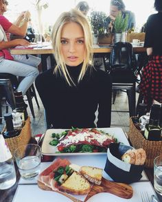 "@romeestrijd on Instagram: ""Milano lunch xx"""