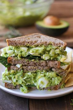 30 BYO Fast & Healthy Lunch Ideas | Herby Avocado Egg Salad Sandwiches Recipe @stylecaster