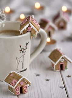 Cute gingerbread houses for hot chocolate! #CKCrackingChristmas