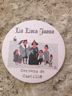 Nuestro posavasos de erveza de castillo con la familia real de Juana, tal y como dibujó y ganó en el concurso de ilustración de @lalocajuanabeer, Cintia Arribas.