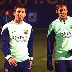 Messi and Neymar FC Barcelona training Messi And Neymar, Messi Soccer, Lionel Messi, Fc Barcelona Neymar, Barcelona Team, Fifa, Barca Team, Barcelona Training, Cr7 Junior