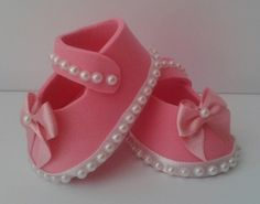 1 million+ Stunning Free Images to Use Anywhere Baby Shower Cakes, Baby Boy Shower, Baby Crafts, Diy And Crafts, Fondant Baby Shoes, Moldes Para Baby Shower, Cheap Party Decorations, Baby Shawer, Cheap Christmas