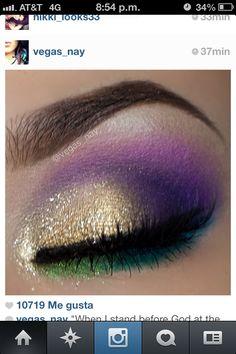 Mardi Gras make up Mardi Gras Outfits, Mardi Gras Costumes, Karneval Outfits, Eye Makeup, Makeup Meme, Makeup App, Fairy Makeup, Mermaid Makeup, Beauty Makeup