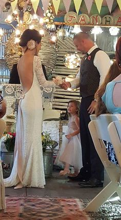 Mooiste Lizelle - wearing a Lubellos Bridal collection piece Lace Wedding, Wedding Dresses, Bridal Collection, Brides, That Look, Formal Dresses, Pretty, How To Wear, Beautiful