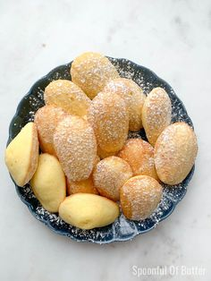 If you've never had a classic French Madeleine before, they are small, sweet, buttery cakes shaped like shells that have a subtle lemon flavor. I'm sharing how to make Classic French Madeleines step-by-step and tips on how to successfully make this treat! St Michel Biscuits, Beef Pares, Beef Tapa, Baking Recipes, Dessert Recipes, Baking Tips, Cookie Recipes, Pastry School, Diy Wedding Cake