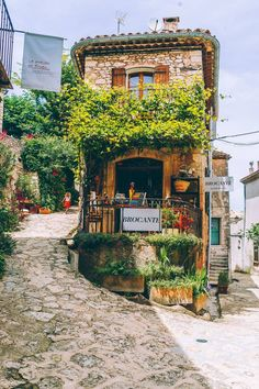 La Provence France, Hello France, Belle Villa, Beautiful Places To Travel, Wonderful Places, Travel Aesthetic, Travel And Leisure, Travel Goals, Dream Vacations