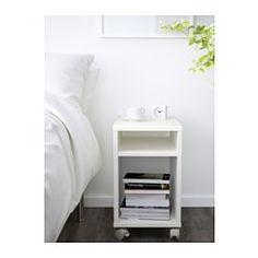 IKEA - OLTEDAL, Tafeltje, wit, , Op de plank is ruimte voor een verdeeldoos voor je oplader.De stekker voor de verdeeldoos wordt via de achterkant naar buiten geleid.Makkelijk te verplaatsen door de bijgeleverde wielen.
