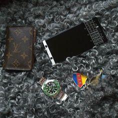 "#inst10 #ReGram @confidenceswe: Everyday stuff #BlackBerry #BlackBerryKEYone #KEYone #Rolex #louisvuitton #djurgården #dif #sweden ...... #BlackBerryClubs #BlackBerryPhotos #BBer ....... #OldBlackBerry #NewBlackBerry ....... #BlackBerryMobile #BBMobile #BBMobileUS #BBMobileCA ....... #RIM #QWERTY #Keyboard .......  70% Off More BlackBerry: "" http://ift.tt/2otBzeO ""  .......  #Hashtag "" #BlackBerryClubs "" ......."