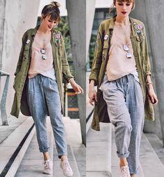How to wear pleated pants - so rockt ihr die Bundfaltenhose #pleatedpants #businesspants #pants #cool #edgy #fashion #style #silk #parka #patches #girl #beauty #model #style #sneaker #shirt #blonde #fun #smile #blogger #fashionblog #fashionblogger #herbstmode #autumnlook #bundfaltenhose #streetstyle