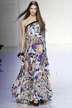 Jennifer Lopez wearing Emilio Pucci Dress.