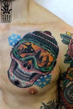 #skulltattoo #skull #wintertattoo #snowboard #snowboardtattoo #snowflake #ski #veracruztattootorino #tattoo #torinotattoo #tattootorino #tattoo #ink #tattooidea #ideatattoo #tatuaggitorino #tatuaggi