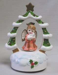 "Vintage Lefton Christmas Music Box Angel in Center of Tree Wreath 1964 .  Plays ""Silent Night""."