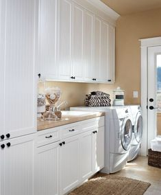 How big is the house that had this large of a laundry room! DeWils Laundry Room - traditional - laundry room - portland - by DeWils Custom Cabinetry Laundry Room Colors, White Laundry Rooms, Modern Laundry Rooms, White Rooms, Narrow Laundry Rooms, White Walls, Laundry Room Remodel, Laundry Room Cabinets, Laundry Room Storage