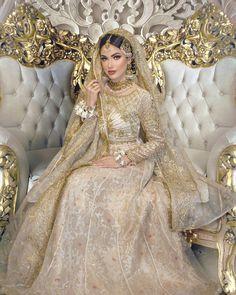 Pakistani Bridal Couture, Pakistani Fashion Party Wear, Pakistani Wedding Outfits, Pakistani Dresses Casual, Indian Bridal Outfits, Indian Fashion Dresses, Pakistani Dress Design, Desi Wedding Dresses, Asian Bridal Dresses