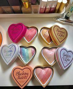 Trendy Ideas Makeup Collection Products Make Up Make Up Palette, Skin Makeup, Makeup Brushes, Highlighter Makeup, Kylie Makeup, Too Faced Highlighter, Highlighters, Makeup Eyeshadow, Eyeshadow Palette