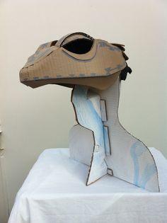 Lizard by palpatophora utiliformis Cardboard Costume, Cardboard Mask, Cardboard Sculpture, Cardboard Crafts, Halloween Items, Family Halloween Costumes, Lizard Costume, Dragon Puppet, Foam Armor