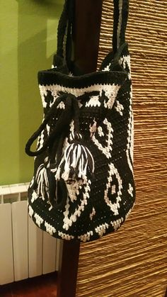 Bolso wayuu hecho a crochet