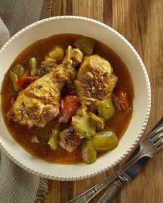 Cette recette est une adaptation de ma recette de Poulet au cari de mon livre Les Grands Classiques de la cuisine d'ici qui est aussi délicieuse cuit dans l'autocuiseur Instant Pot.