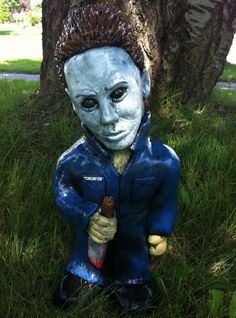 Michael Myers Garden Gnome this is freaking RADDDDD