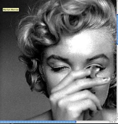 classic actresses COOL RARE Shot of Marilyn Monroe Smoking Beautiful 8 X 6 Inch Photograph Printed On High Quality Kodak Paper! Deck Out Your Apartment or Pad with our Retro Prints. Marilyn Monroe Smoking, Marilyn Monroe Drawing, Marilyn Monroe Wallpaper, Marilyn Monroe Portrait, Marilyn Monroe Poster, Marilyn Monroe Tattoo, Rare Marilyn Monroe, Marilyn Monroe Photos, Marilyn Monroe Outfits