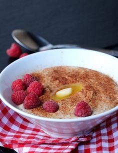 Enkel, proteinrik mandelgraut - LINDASTUHAUG Oatmeal, Gluten, Breakfast, Food, Meal, Eten, Meals, Rolled Oats, Morning Breakfast