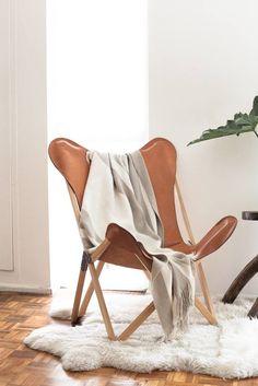 silla cuero color suela