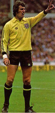 Ray Clemence in England GK's Admiral Kit. British Football, Uk Football, National Football Teams, England Football, Retro Football, Chelsea Football, Liverpool Football Club, Liverpool Fc, Football Shirts