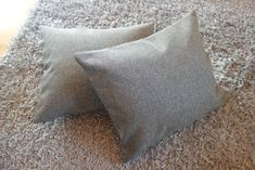 Tee-se-itse-naisen sisustusblogi: Zippered throw pillow covers from Lauritzon's Sakura upholstery fabric used in dining room chairs.