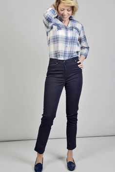 ANTONELLE CHEMISE COTON BASIQUE CARREAUX BRITISH Réf :  17CH1931 Chemise à carreaux ML et 2 poches poitrine à rabats boutonnés. A porter avec un jean pour une allure bohème cowgirl-chic assurée. #Antonelleparis  #clothing #picoftheday #lookbook   #lookoftheday #chemise #carreau  #womenswear #intoporelle  #ss17