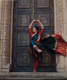 Her sari her style