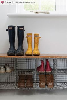 Wire baskets for shoes. Wooden picking crates would work also, stack them lengthwise for runners etc and on their ends for boots. an idea to use these wire baskets in the mudroom closet? Bench With Shoe Storage, Diy Bench, Crate Storage, Storage Baskets, Storage Ideas, Boot Storage, Shoe Storage Mudroom, Porch Storage, Entryway Storage