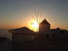 Oia sunset, Santorini Santorini, Opera House, Sunset, Building, Travel, Sunsets, Viajes, Buildings, Trips