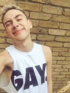 'Years and Years' Lead Singer Olly Alexander Reacts to 'Gay Music' Label - Towleroad Gay News Most Beautiful Man, Beautiful People, Olly Alexander, Music Labels, Celebs, Celebrities, Boy Outfits, Gay, Style Inspiration