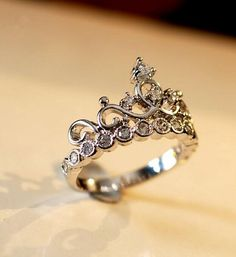 sterling silver princess crown promise ring for girlfriend http://www.jewelsin.com/p-graceful-crown-style-925-silver-ring-254