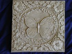 BUTTERFLY-CONCRETE-CEMENT-PLASTER-STEPPING-STONE-MOLD-1067-Moldcreations