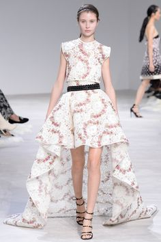 Giambattista Valli Spring 2016 Couture: I'm in heaven with this dress!! I adore the high/low hem! The floral design is wonderful! The embellished belt adds sparkle and shine.