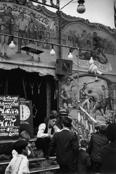 1936, Fairground, Mitcham, London IMAGE: © EDWIN SMITH/RIBA LIBRARY PHOTOGRAPHS COLLECTION