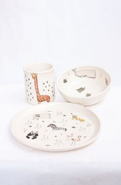 Handpainted dinnerware for kids by La Malcontentta