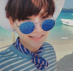 [SCAN] BTS Summer Package 2017 in Coron: Selca Book - Suga
