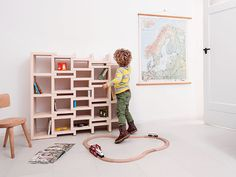 REK bookcase junior by Reinier de Jong