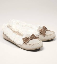 814f0f42fe1f3d  GiftGiving We can t decide if these look like the comfiest mocs ever or
