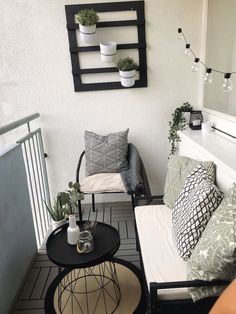 Condo Balcony, Apartment Balcony Decorating, Apartment Design, Apartment Living, Apartment Therapy, Small Balcony Design, Small Balcony Decor, Small Patio, Patio Decorating Ideas On A Budget