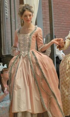 Olivia Hartford, a villainous woman who make Aurora's life miserable. 18th Century Dress, 18th Century Costume, 18th Century Clothing, 18th Century Fashion, Rococo Fashion, Victorian Fashion, Vintage Fashion, Vintage Outfits, Rococo Dress