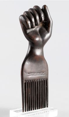 Africa | Hair comb from the Asante people of Ghana | Wood